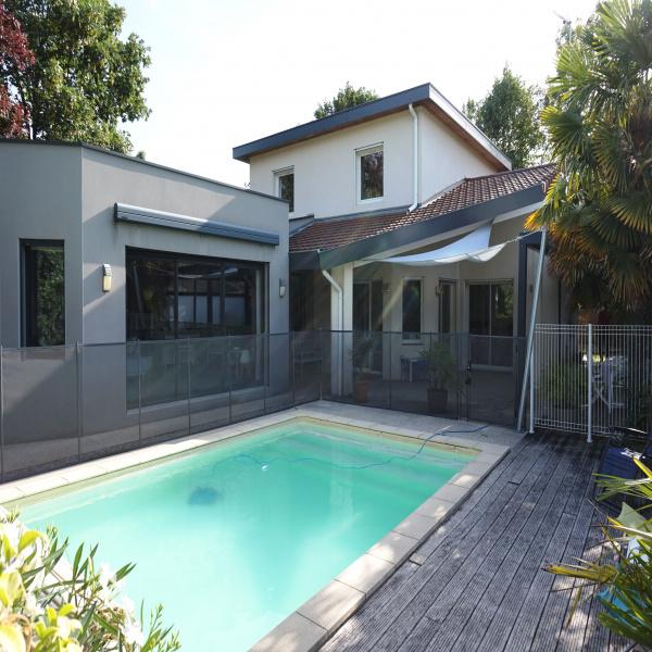 Offres de location Villa Bourg-lès-Valence 26500